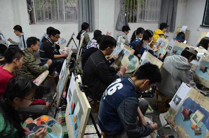 重庆江北附近有高考美术辅导班吗