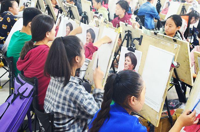 上海高考美术集训-上海高考美术画室-东方童画