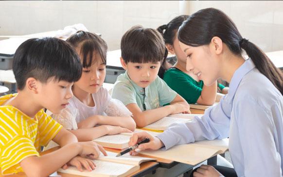 杭州孩子上課經常走神專注力缺失