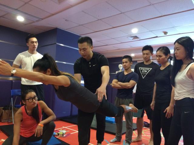厦门女生考健身房教练证多少钱呢